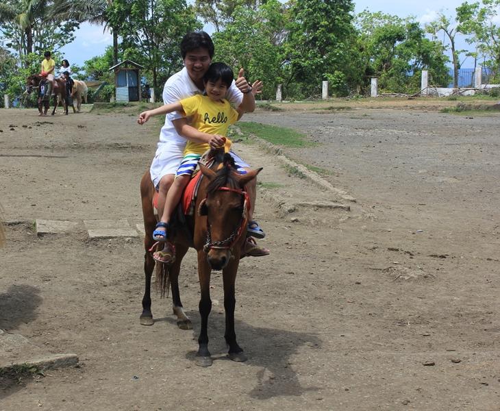 horseback riding picnic grove tagaytay