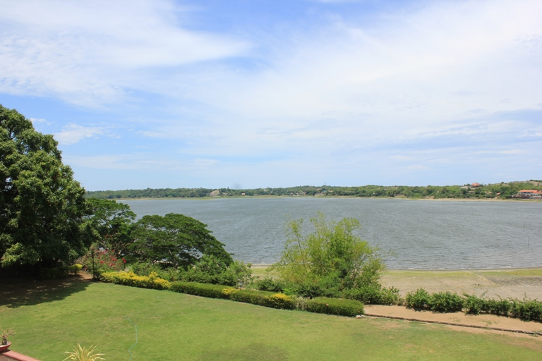 paoay lake view