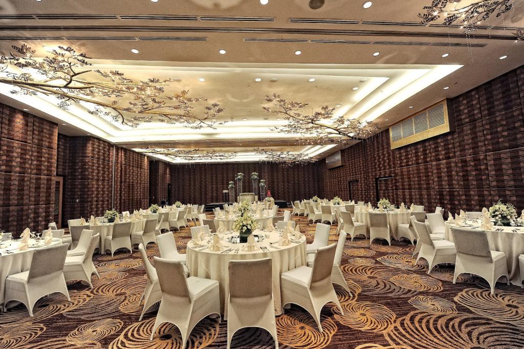 La Fiesta Hotel Iloilo Deluxe Room