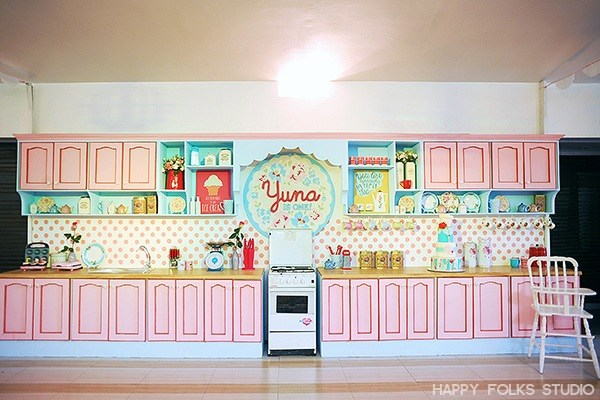 yuna-retro-diner-kitchen-party-22
