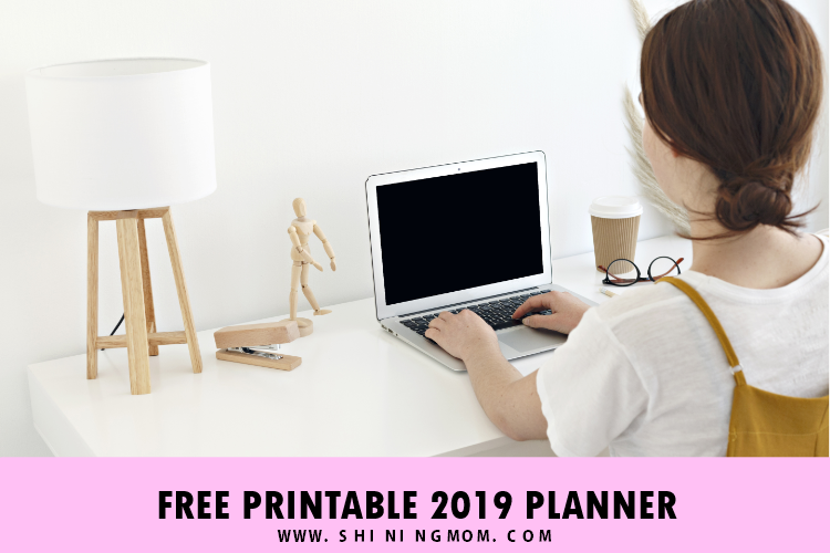 2019 Calendar and Life Planner Free Printables for Dog Lovers!