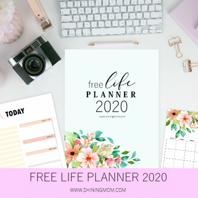 FREE Printable 2020 Monthly Calendar and Planner in Florals!